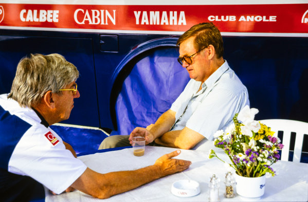 1993 Formula 1 World Championship. Tyrrell team boss, Ken Tyrrell talks with journalist, Alan Henry in the Tyrrell hospitality unit, portrait.  World Copyright: LAT Photographic.