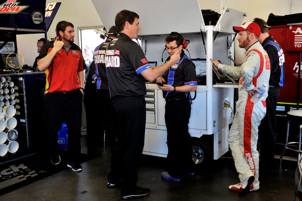 9-10 January 2014, Daytona Beach, Florida, USA Dale Earnhardt, Jr and Steve Letarte ©2014, Nigel Kinrade LAT Photo USA