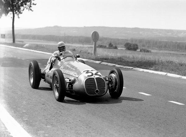 1950 French Grand Prix.Reims-Gueux, France. 2 July 1950.Reg Parnell (Scuderia Ambrosiana Maserati 4CLT/48). Ref: B&W negative no. C27337.World Copyright: LAT Photographic
