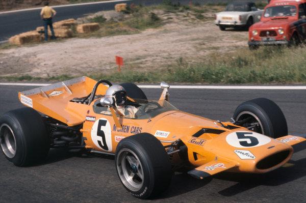 Clermont-Ferrand, France. 4-6th July 1969.  Bruce McLaren, McLaren M7C Ford.  Ref: 69FRA01. World Copyright: LAT Photographic