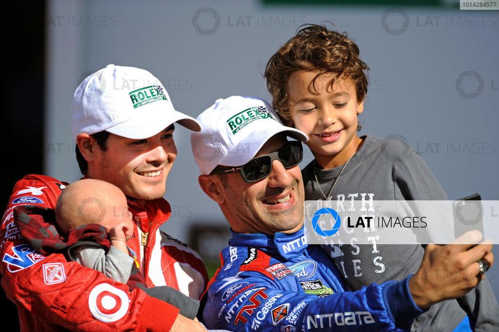 22-25 January, 2015, Daytona Beach, Florida USA Kyle Larson and Tony Kanaan take