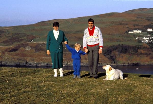 Nigel Mansell (GBR) at home on the Isle of Man.Douglas, Isle of Man.