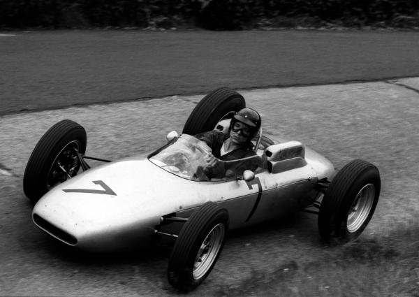 Dan Gurney (USA) Porsche 804 overcame battery problems to finish third.