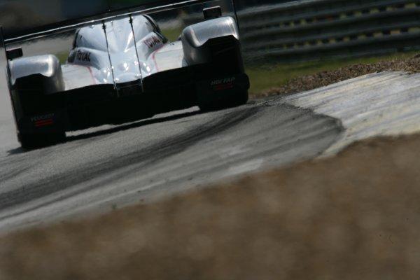 2007 Le Mans Test Day2nd and 3rd June 2007.Le Mans, France.Sunday Test DayMarc Gene (ESP)/Nicolas Minassian (GBR)/Jacques Villeneuve (CAN) (no 7 Peugeot 908 Hdi FAP) action.World Copyright: Glenn Dunbar/LAT Photographic. ref: Digital Image YY8P5821