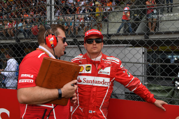Kimi Raikkonen (FIN) Ferrari and Dave Greenwood (GBR) Ferrari Race Engineer on the grid at Formula One World Championship, Rd9, Austrian Grand Prix, Race, Spielberg, Austria, Sunday 9 July 2017.