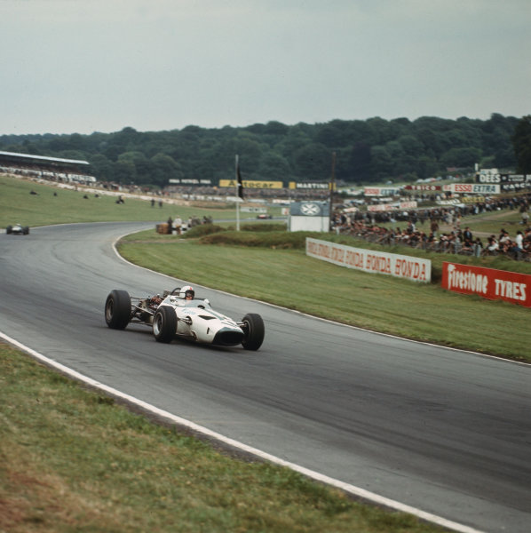Brands Hatch, England.14-16 July 1966.Bruce McLaren (McLaren M2B Serenissima) 6th position.Ref-3/2259.World Copyright - LAT Photographic