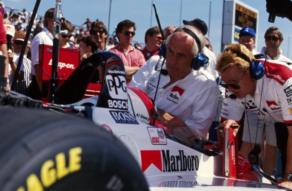 Al Unser Jr (USA) Penske PC23 Mercedes, in-car, talks with team boss Roger Penske (USA) and his engineers.PPG IndyCar World Series, Indianapolis 500, Indianapolis, USA, 9-13 May 1994.