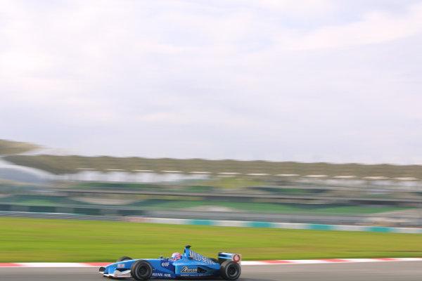 2001 Malaysian Grand Prix.Sepang, Kuala Lumpur, Malaysia. 16-18 March 2001.Jenson Button (Benetton B201 Renault).World Copyright - LAT Photographicref: 8 9MB DIGITAL IMAGE