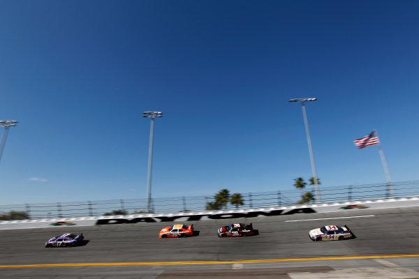 5-14 February, 2010, Daytona Beach, Florida, USAMatt Kenseth leads a group©2010, Michael L. Levitt, USALAT Photographic