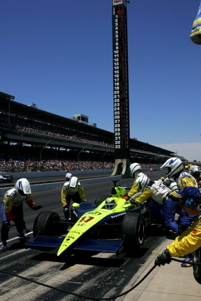 Vitor Meira (BRA), Rahal Letterman Racing Panoz Honda, pits during the Indianapolis 500. He finished second.IRL IndyCar Series, Rd5, 89th Indianapolis 500, Indianapolis Motor Speedway, Indianapolis, USA. 29 May 2005.DIGITAL IMAGE