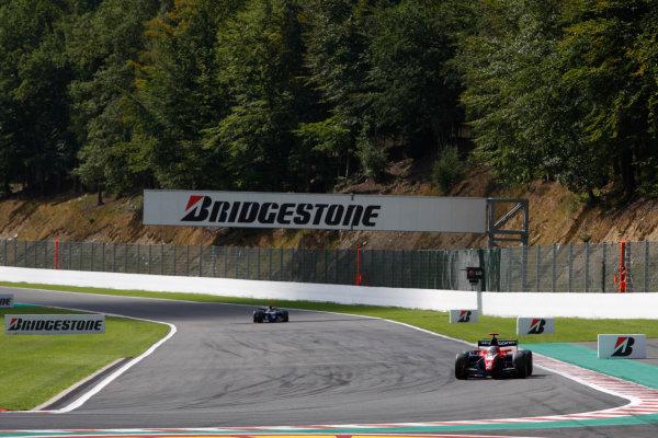 Spa-Francorchamps, Spa, Belgium. 30th August 2009.Sunday Race.Giedo  Van der Garde (NED, iSport International) leads Roldan Rodriguez (ESP, Piquet GP). Action.  World Copyright: Andrew Ferraro / GP2 Series Media Service.Ref: _H0Y0063 jpg