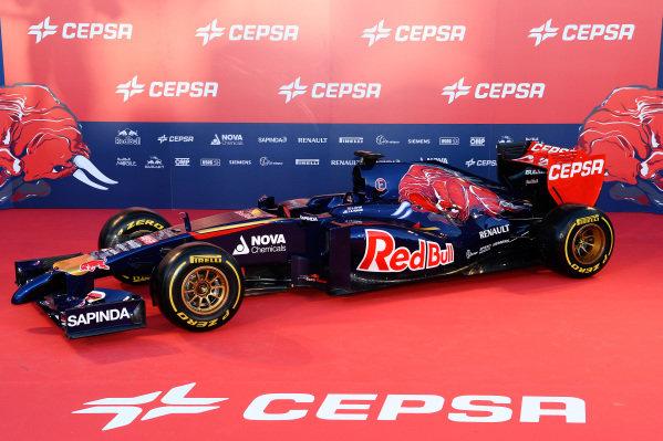 The new Scuderia Toro Rosso STR9. Scuderia Toro Rosso STR9 Launch, Jerez, Spain, Monday 27 January 2014.