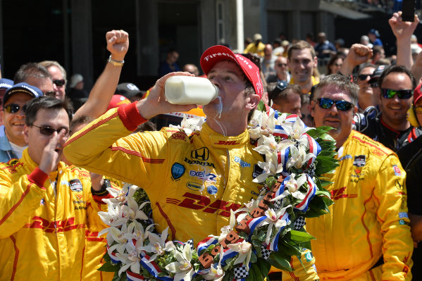 Indy 500 winner Ryan Hunter-Reay (USA) Andretti Autosport celebrates with the traditional pint of milk in victory lane. Verizon IndyCar Series, Rd4, Indianapolis 500, Indianapolis, USA, Sunday 25 May 2014.