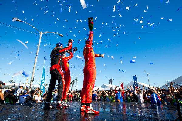 2015/2016 FIA Formula E Championship. Long Beach ePrix, Long Beach, California, United States of America. Sunday 3 April 2016. Stephane Sarrazin (FRA), Venturi VM200-FE-01, Daniel Abt (GER), ABT Audi Sport FE01, Lucas Di Grassi (BRA), ABT Audi Sport FE01. Photo: Zak Mauger/LAT/Formula E ref: Digital Image _L0U1807