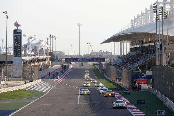 2015 FIA World Endurance Championship, Bahrain International Circuit, Bahrain. 19th - 21st November 2015. Gianmaria Bruni / Toni Vilander AF Corse Ferrari F458 Italia. World Copyright: Jakob Ebrey / LAT Photographic.