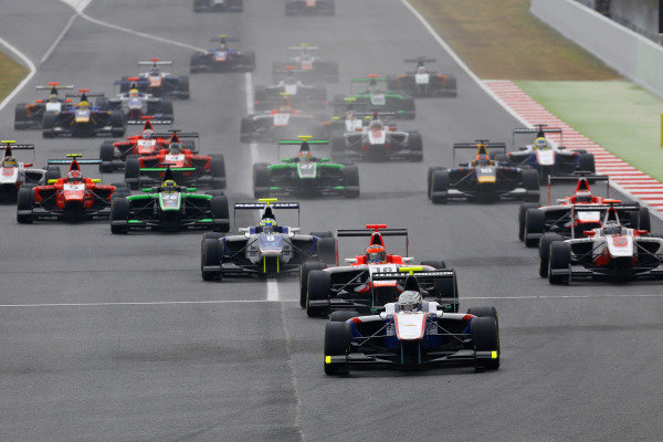 Matheo Tuscher (SUI) Jenzer Motorsport leads at the start of race two. GP3 Series, Rd1, Barcelona, Spain, 9-11 May 2014.