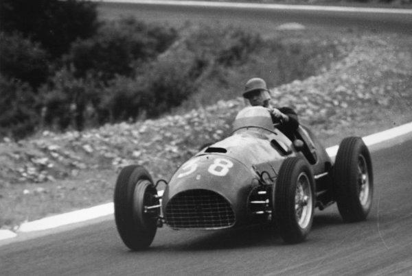 1952 French Grand Prix.Rouen-les-Essarts, France. 6 July 1952.Gianfranco Comotti (Scuderia Marzotto Ferrari 166F2/50). Ref-52/27 #35A.World Copyright - LAT Photographic