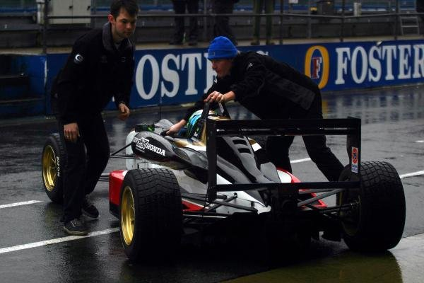 Danilo Dirani (BRA) tested for Carlin Motorsport at a wet Silverstone.