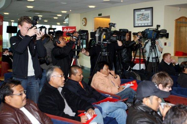 Media.AirAsia Signs As Title Sponsor for 2010 MotoGP British Grand Prix, Silverstone, England, Wednesday 10 February 2010.
