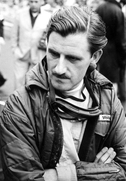1962 Monaco Grand Prix.Monte Carlo, Monaco.31/5-3/6 1962.Graham Hill (BRM P57) 6th position, portrait.Ref-B/W PrintWorld Copyright - LAT Photographic