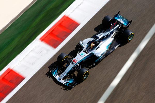 Yas Marina Circuit, Abu Dhabi, United Arab Emirates. Friday 24 November 2017. Lewis Hamilton, Mercedes F1 W08 EQ Power+. World Copyright: Andy Hone/LAT Images  ref: Digital Image _ONZ8224