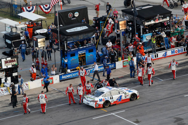 Monster Energy NASCAR Cup Series AAA Texas 500 Texas Motor Speedway Fort Worth, TX USA Sunday 5 November 2017 Kevin Harvick, Stewart-Haas Racing Rodney, Mobil 1 Ford Fusion, celebration, crew World Copyright: Michael L. Levitt LAT Images