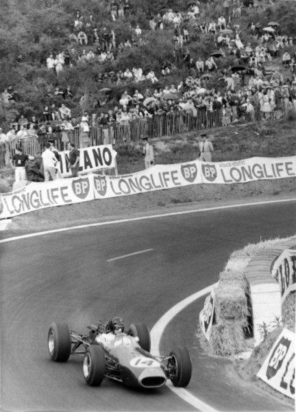 1965 French Grand Prix.Charade, Clermont-Ferrand, France.25-27 June 1965.Dan Gurney (Brabham BT11), retired, action.World Copyright - LAT Photographic.Ref: B/W Print.