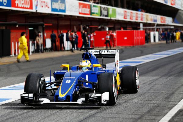 Circuit de Catalunya, Barcelona, Spain Monday 22 February 2016. Marcus Ericsson, Sauber C35 Ferrari, in the pit lane. World Copyright: Sam Bloxham/LAT Photographic ref: Digital Image _SBL4203