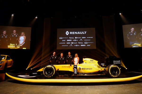 Albert Park, Melbourne, Australia. Wednesday 16 March 2016. Cyril Abiteboul, Kevin Magnussen and Jolyon Palmer with the Renault RS16 in its new livery. World Copyright: Andy Hone/LAT Photographic ref: Digital Image _ONY9904