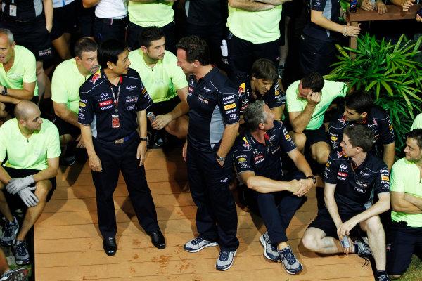 Marina Bay Circuit, Singapore. Sunday 22nd September 2013.  Christian Horner, Team Principal, Red Bull Racing celebration team photo.  World Copyright: Jed Leicester/LAT Photographic. ref: Digital Image _JEL3302