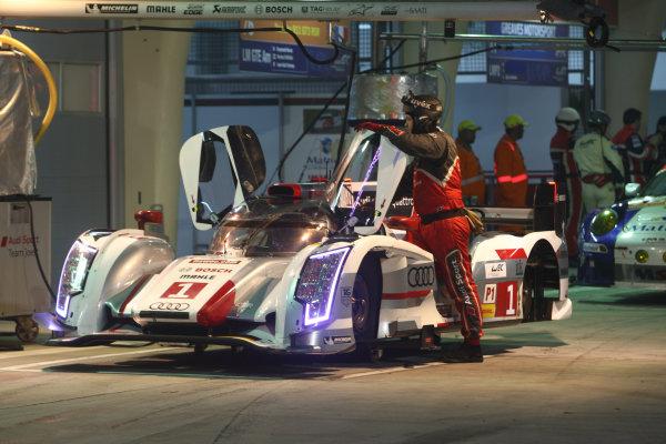 2013 FIA World Endurance Championship,Bahrain, 28th-30th December 2013,Andre Lotterer / Benoit Treluyer / Marcel Fassler Audi R18 e-tron quattroWorld Copyright: Ebrey/LAT Photographic