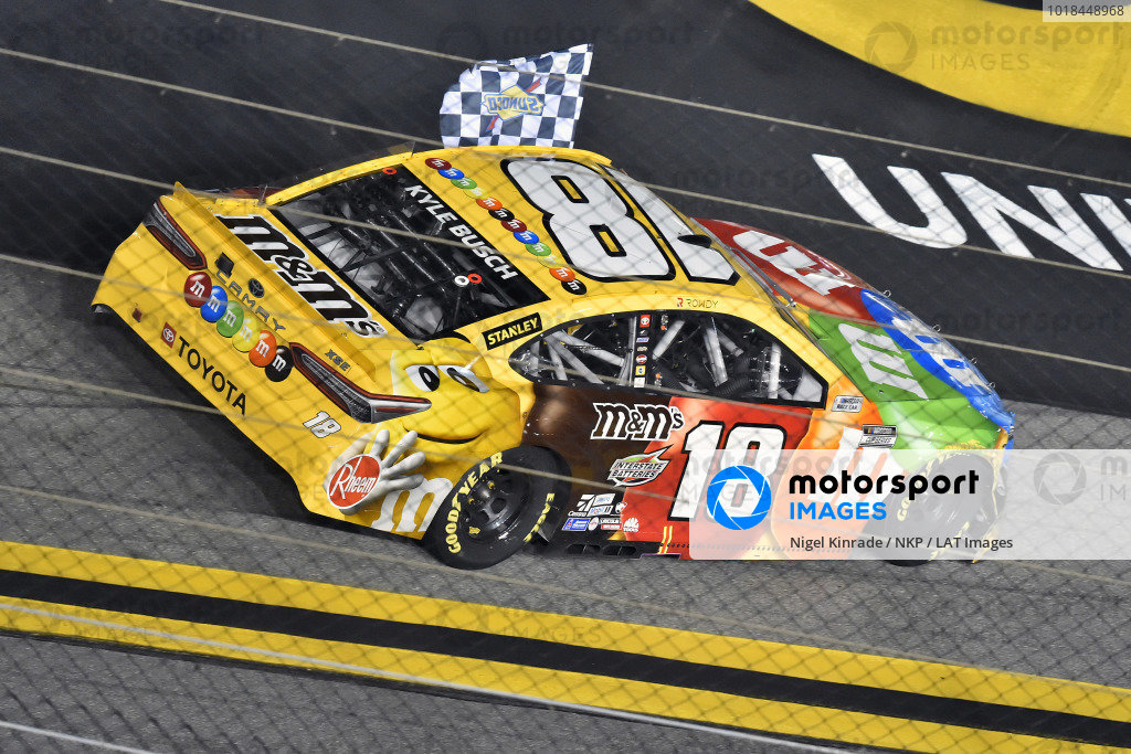 #18: Kyle Busch, Joe Gibbs Racing, Toyota Camry M&M's celebrates this win