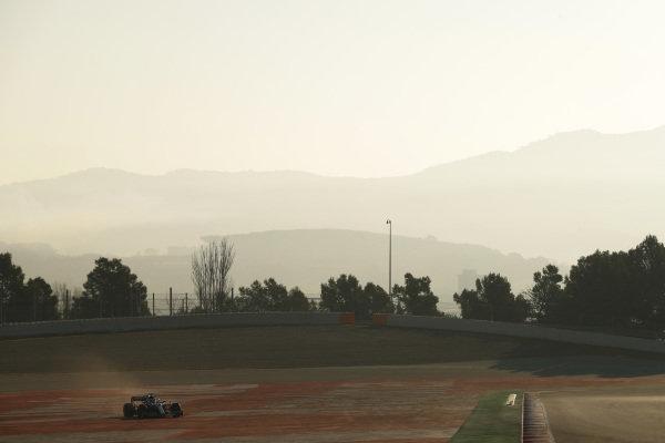 Lewis Hamilton, Mercedes-AMG F1 W10 EQ Power+ spins and runs wide
