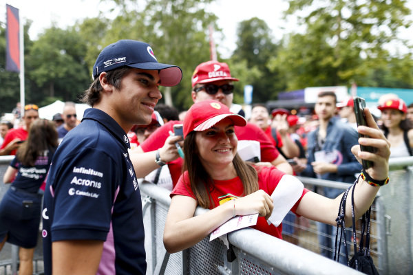 Lance Stroll, Racing Point takes a selfie with a fan