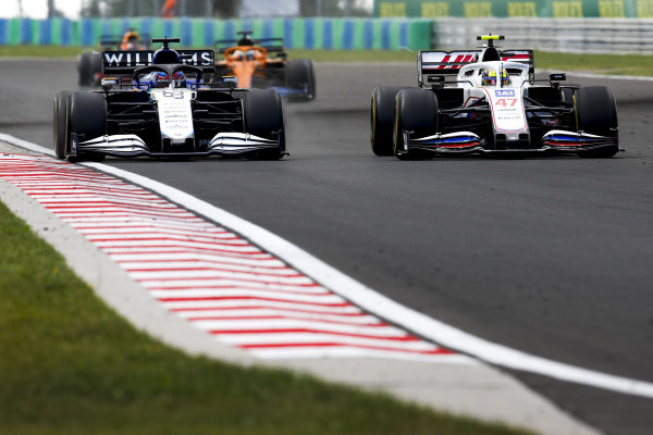 George Russell, Williams FW43B, battles with Mick Schumacher, Haas VF-21