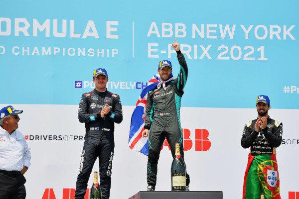 Gerd Mauser, Chairman, Jaguar Racing, Nick Cassidy (NZL), Envision Virgin Racing, 2nd position, Sam Bird (GBR), Jaguar Racing, 1st position, and Antonio Felix da Costa (PRT), DS Techeetah, 3rd position, celebrate on the podium