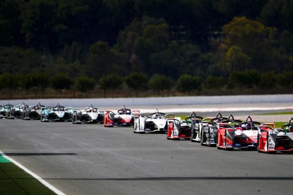 Pascal Wehrlein (DEU), Mahindra Racing, M6Electro, Oliver Rowland (GBR), Nissan e.Dams, Nissan IMO2 and Lucas Di Grassi (BRA), Audi Sport ABT Schaeffler, Audi e-tron FE06