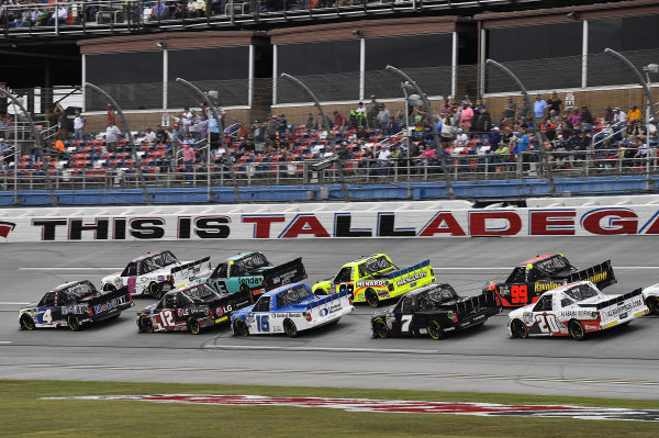 #4: Todd Gilliland, Kyle Busch Motorsports, Toyota Tundra Mobil 1 leads