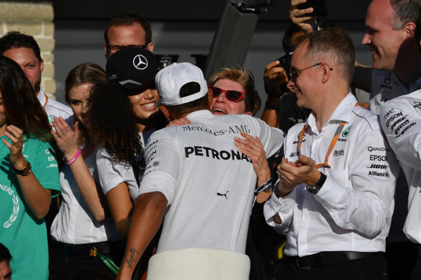 Race winner Lewis Hamilton (GBR) Mercedes AMG F1 celebrates with the team at Formula One World Championship, Rd17, United States Grand Prix, Race, Circuit of the Americas, Austin, Texas, USA, Sunday 22 October 2017.