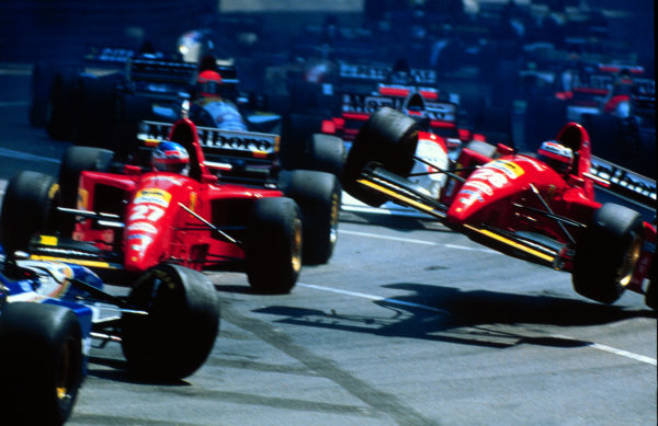 1995 Monaco Grand Prix.Monte Carlo, Monaco.25-28 May 1995.Gerhard Berger and Jean Alesi (both Ferrari 412T2) collide with David Coulthard (Williams FW17-Renault) at the first start.World Copyright - LAT Photographic