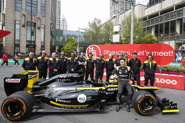 Guanyu Zhou, Renault with the Renault team