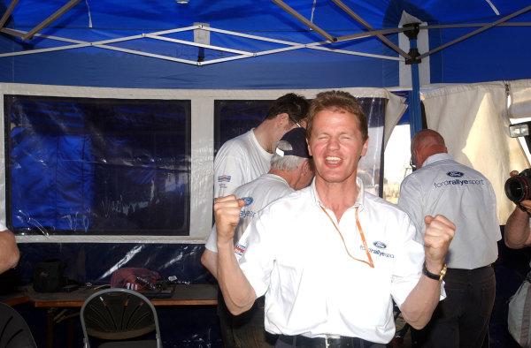2002 World Rally Championship.Safari Rally, Nairobi Kenya, July 11-14th.Malcolm Wilson celebrates another Safari victory.Photo: Ralph Hardwick/LAT