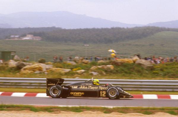 Estoril, Portugal.19-21 April 1985.Ayrton Senna (Lotus 97T Renault) 1st position.Ref-85 POR 14.World Copyright - LAT Photographic