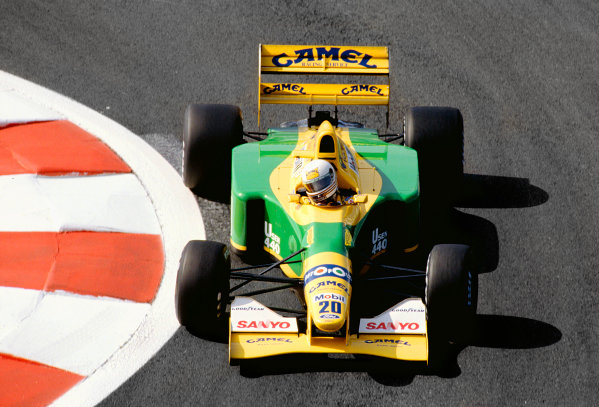 Magny-Cours, France. 3-5 July 1992.Martin Brundle (Benetton B192 Ford).Ref-92 FRA 33.World Copyright - LAT Photographic