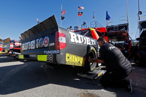 NASCAR Camping World Truck Series M&M?s 200 presented by Casey?s General Store Iowa Speedway, Newton, IA USA Friday 23 June 2017 Grant Enfinger, Ride TV Toyota Tundra World Copyright: Brett Moist LAT Images