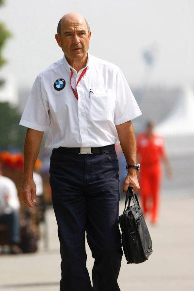 Shanghai International Circuit, Shanghai, China19th October 2008Peter Sauber, Consultant, BMW Sauber. Portrait. World Copyright: Charles Coates/LAT Photographicref: Digital Image _26Y1346