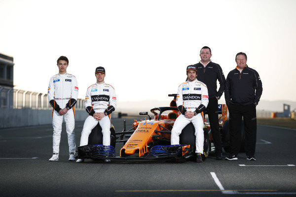 Lando Norris (GBR) McLaren, Stoffel Vandoorne (BEL) McLaren, Fernando Alonso (ESP) McLaren, Boullier (FRA) McLaren Racing Director and Zak Brown (USA) McLaren Executive Director with the new McLaren MCL33 at McLaren MCL33 Launch, 23 February 2018.