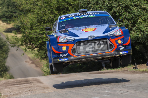 Thierry Neuville flies over the famous 'Gina' jump on Rallye Deutschland's Panzerplatte military stages