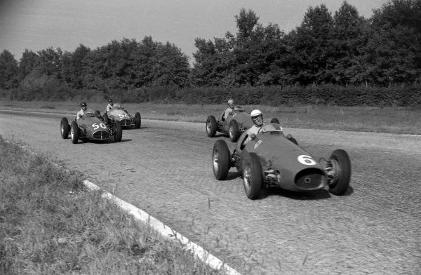 Giuseppe Farina, Ferrari 500, leads Alberto Ascari, Ferrari 500, Juan Manuel Fangio, Maserati A6GCM-53 and Onofre Marimón, Maserati A6GCM-53.
