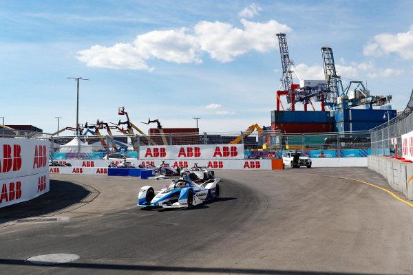 Alexander Sims (GBR) BMW I Andretti Motorsports, BMW iFE.18 leads Sébastien Buemi (CHE), Nissan e.Dams, Nissan IMO1
